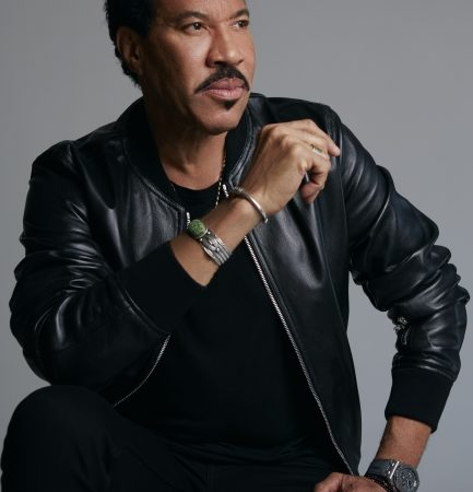 "Lionel Richie ""Hello Tour""  Comes To The Hard Rock Event Center"