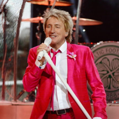 Rod Stewart Returns to Hard Rock Live